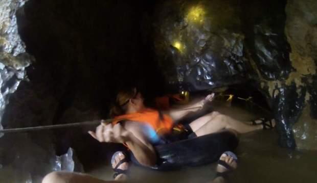 Cave tubing Vang Vieng